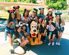 It's almost the end of the semester! With final projects and exams coming up we wish we were back in the happiest place on earth!  #tbt  #throwback #disney #dancer #team #dance #aloha #dancing #danceteam #universityofhawaii #university #universityofhawaiiatmanoa #disneyland #worldofdisney #hawaii #california #anaheim #pluto #disneycalifornia by uhrainbowdancers