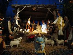 nativity scenes pictures | Description 04567 Christmas nativity scene at the Franciscan church in ...