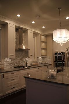Love kitchen & chandelier