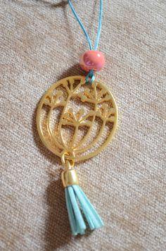 ΜΑΚΡΥ ΚΟΛΙΕ Hand Art, Jewlery, Necklaces, Pendant Necklace, Pretty, Accessories, Jewels, Jewerly, Jewelry