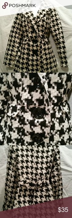 Trendy black and white coat Hardly used. Huge buttons in front. Belt in the back. Wears beautifully.  Warm and elegant.  Smoke and pet free home. Candie's Jackets & Coats Pea Coats