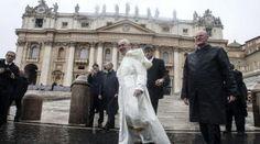 """Papież: państwa wyznaniowe """"źle kończą, są sprzeczne z historią"""""""