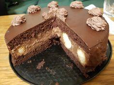 Tort profiterol cu crema de ciocolata Profiteroles, Cacao Powder Benefits, Romanian Desserts, How To Make Macarons, Jacque Pepin, Holiday Pies, Pastry Cake, Something Sweet, Croquembouche