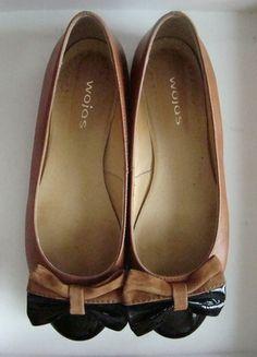 Kup mój przedmiot na #vintedpl http://www.vinted.pl/damskie-obuwie/balerinki/10470132-skorzane-czarnebrazowe-balerinki-z-kokardkami-wojas-38