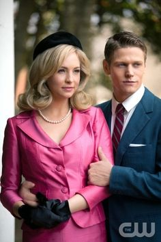"""""""The Last Dance"""" - Candice Accola as Caroline and Zach Roerig as Matt in THE VAMPIRE DIARIES on The CW. Photo: Bob Mahoney/The CW ©2011 The CW Network, LLC. All Rights Reserved."""