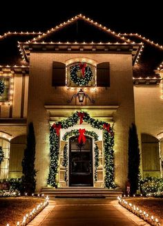 35 Stunning Christmas Lights Decor Ideas On House Exterior