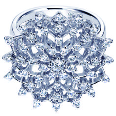 A snowflake ring as delicate as a Frozen flower.