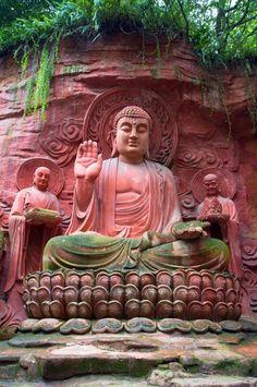 visitheworld: Rock carvings of Emei Shan / China (by G.S. Matthews).