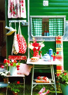 Jenny Arnott Textiles: Happy birthday little blog! Cute N Country, Little Houses, Handmade Bags, Play Houses, Cottage Style, Ladder Decor, Tea Pots, Blog, Sweet Home