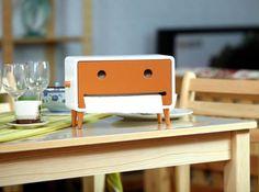 Wood Smiley Face Tissue Box - FeelGift