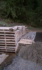 Thumper Lane: My Obsession With Pallets!!