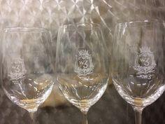 Wein von 3 Gläser im Keller