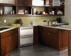 "Tampa kitchen with True Residential 24"" Refrigerator Drawers"