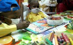 """Cancer du cerveau de l'enfant: de nouvelles pistes thérapeutiques - La Parisienne Les chercheurs ont identifié des mutations ou anomalies du gène ACVR1 dans une tumeur cérébrale maligne, le gliome infiltrant du tronc cérébral (""""DIPG""""), première cause de mortalité par cancers du cerveau chez l'enfant.\Cliquez sur la photo pour l'article"""