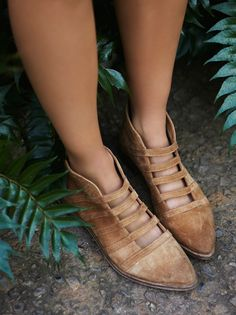 leather spring boots with straps