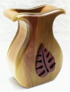 Leaf vessel vase