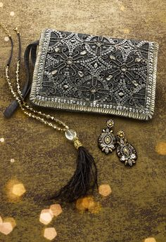 Nadine Clutch No one does shimmer like we do! Beaded Clutch, Beaded Purses, Beaded Bags, Diy Clothes Bag, Boho Bags, Vintage Purses, Cute Bags, Handmade Bags, Evening Bags