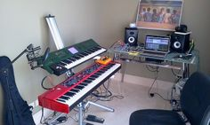 Personal Home Studio by gusbeto37, via Flickr