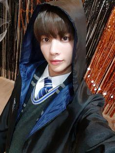 Hogwarts, La Saga Harry Potter, Selca, The Dream, Perfect Man, Kpop Groups, K Idols, Boyfriend Material, South Korean Boy Band
