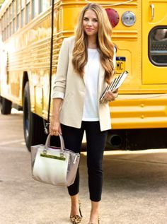 Women business fashion, women business attire, casual smart outfit women, s Comfy Work Outfit, Outfit Office, Casual Work Outfits, Business Casual Outfits, Work Casual, Cute Outfits, Casual Blazer, Office Wear, Women's Casual