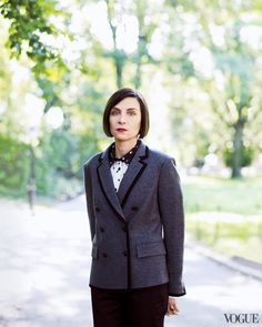 Donna Tartt discusses her Pulitzer-prize winning novel The Goldfinch Donna Tartt, Love Plus, Writers And Poets, The Secret History, Goldfinch, Tomboy Fashion, Book Of Life, Famous Women, Timeless Fashion