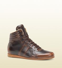 Gucci Men s Sporting Lace Up Boot Homens Gucci 05a5bea9b71