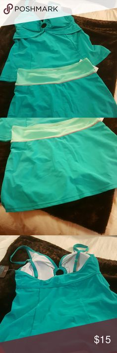 Aqua Emerald Bay bathing suit Aqua Emerald Bay suit, I just bought this off Posh and it doesn't fit me so great, top is a size10 and bottoms are a size 8. Emerald Bay Swim Bikinis