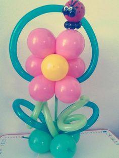 Flor con love bug.