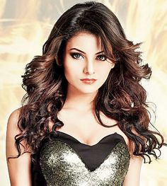 Urvashi Rautela #Style #Bollywood #Fashion #Beauty