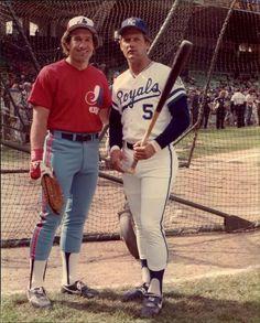 Gary Carter & George Brett, 1983 All Star Game Comiskey Park Chicago, Illinois SPORT magazine photo via Mears Expos Baseball, Royals Baseball, Mlb Uniforms, Baseball Uniforms, Pirates Baseball, Sports Baseball, Baseball Wall, Baseball Cards, Dodgers