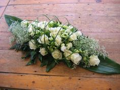 Verjaardag Funeral Floral Arrangements, Creative Flower Arrangements, Church Flower Arrangements, Beautiful Flower Arrangements, Flower Centerpieces, Flower Decorations, Beautiful Flowers, Funeral Bouquet, Funeral Flowers