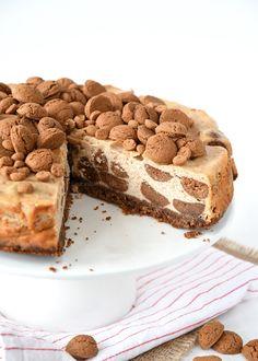 Kruidnoten cheesecake - Laura's Bakery #sinterklaas #pakjesavond #sinterklaasrecept #pakjesavond #lekkeredingen #toetjes #dessert #ideeen