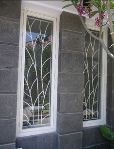 Stunning Wrought Iron Design Ideas That Are Truly Amazing - Genmice Windows, Grill Door Design, Grill Design, Gate Design, Door Design, Window Grill Design, Modern Windows, Window Trellises, Window Design