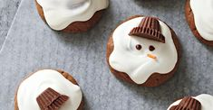 Chocolaty Melting Snowmen Healthy Halloween Treats, Holiday Treats, Christmas Treats, Christmas Baking, Christmas Cookies, Holiday Recipes, Xmas Desserts, Just Desserts, Candy Recipes