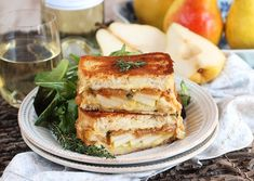 Caramelized Onion Pear Grilled Cheese Sandwich and a Harry & David Giveaway - The Suburban Soapbox Grilled Sandwich, Best Sandwich, Soup And Sandwich, Healthy Smoothies, Smoothie Recipes, A Food, Food And Drink, English Food, Wrap Sandwiches