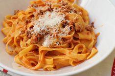 Bologna, Spaghetti, Food And Drink, Eat, Ethnic Recipes, Website, Italia, Noodle