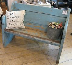 Beautiful pew or bench. I want this for my front yard!