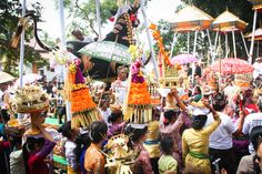 Witnessing a cremation ceremony in Ubud