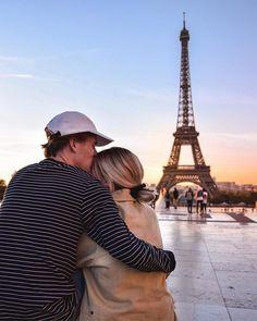 Sunrise Sunset Paris Eiffel Tower Magical Experience Bucket List Traveling Europe - Travel Couple Go Paris Pictures, Travel Pictures, Travel Photos, Paris Photography, Travel Photography, Eiffel Tower Pictures, Paris Couple, Couples In Paris, Paris Eiffel Tower