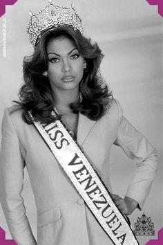 Veruska Tatiana Ramírez. Miss Táchira1997. Miss Venezuela 1997  Este año Veruska se alzó con la corona sobre Daniela Kosán y Christina Dieckman