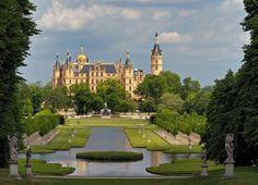 Schweriner_Schloss._2011.JPG (2896×2088)