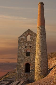 The engine house Wheal Coats tin mine, North Cornwall, England. Pretty sure I've been here once when I was on holiday in Cornwall. North Cornwall, Devon And Cornwall, Cornwall England, Yorkshire England, Yorkshire Dales, North Wales, Penzance Cornwall, Cornish Tin Mines, St Just