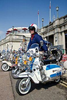 Brighton mods Mod Scooter, Lambretta Scooter, Fred Perry Polo Shirts, Pocket Bike, Best Mods, Airbrush Art, Punk Goth, Mod Fashion, Desert Boots