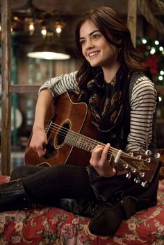 """Back in 2011 when Lucy Hale did """"A Cinderella Story: Once Upon A Song"""". She is such a great singer! Cinderella Story Movies, Another Cinderella Story, Pretty Little Liars Aria, Pretty Little Liars Outfits, Estilo Aria Montgomery, Aria Montgomery Aesthetic, Estilo Lucy Hale, Luci Hale, Lucy Hale Outfits"""