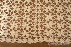 Návod: Jasmínový šátek   Pilgrim Jasmin, Animal Print Rug, Crochet Projects, Slippers, Knitting, Diy, Crocheting, Tricot, Bricolage