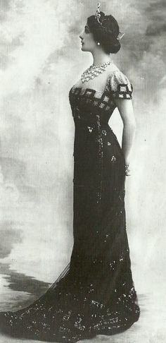 "Lina Cavalieri, 1910. from ""Fashion. 100 Jahre Mode"" (based on Decades of Fashion, Harriet Worsley)"