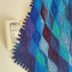 Ravelry: Papagena Scarf pattern by Sybil R Knitting Designs, Knitting Patterns Free, Knitting Projects, Free Pattern, Knitting Short Rows, Lace Knitting, Knitted Poncho, Knitted Shawls, Shawl Patterns