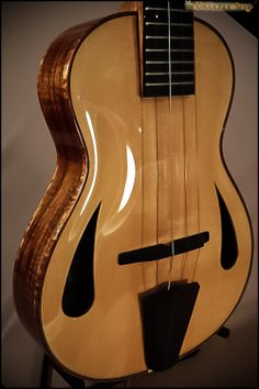 """Custom Koolau builder Ryan Condon, """"Archie"""" ukulele"""