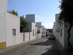 Housing in Quinta da Malagueira, Evora, Portugal; Minimalist Architecture, Residential Architecture, Modern Architecture, Alvar Aalto, Portugal, Building Exterior, Urban Design, Inspiration, Houses