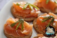 Gravlax sashimi http://www.aprendresansfaim.com/2016/03/gravlax-sashimi.html